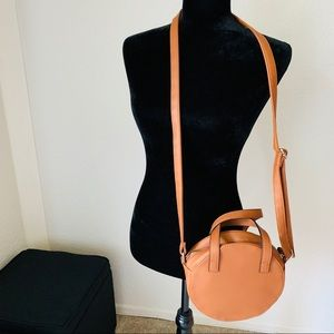 Time and Tru Circle Leather Crossbody Bag Tan Zip